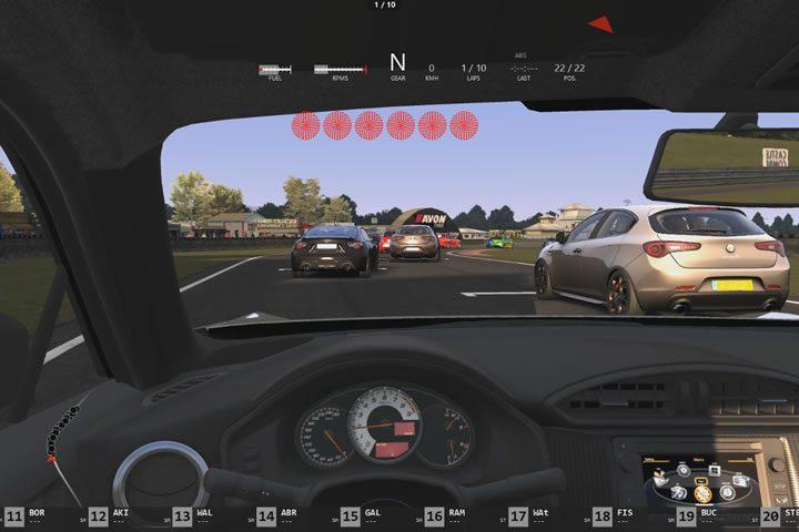 Assetto Corsa add-on pálya – utcai autók versenye Castle Combe-ban